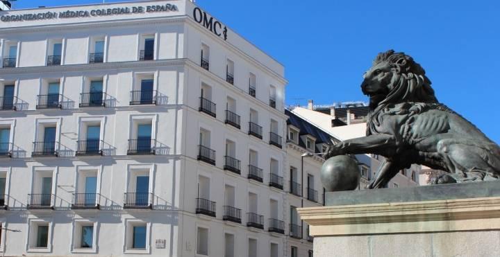 El CGCOM y el Colegio Médico de Ourense advierten que el certificado médico de Correos no puede considerarse oficial