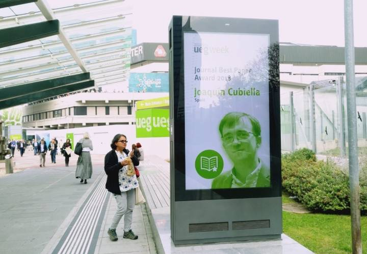 O doutor Cubiella, especialista de Dixestivo do hospital ourensán, premiado no congreso europeo de gastroenteroloxía