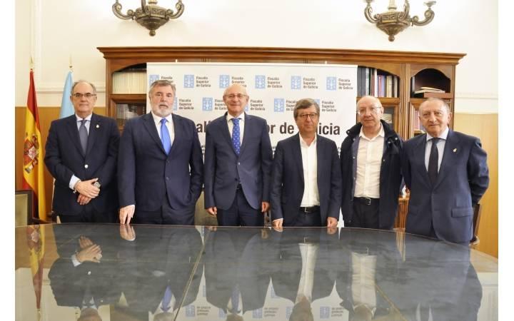 LA FISCALÍA Y LOS COLEGIOS MÉDICOS DE GALICIA SE COORDINAN PARA COMBATIR LAS AGRESIONES A FACULTATIVOS