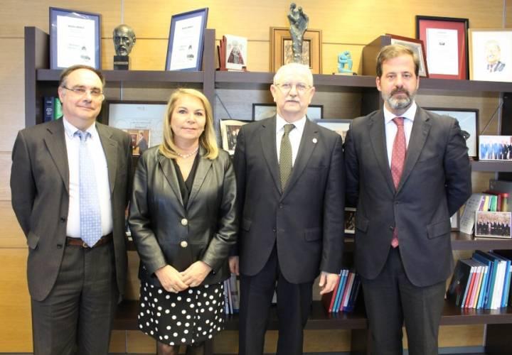 El CGCOM y ASPE impulsan la creación del Observatorio de la Profesión Médica en Sanidad Privada