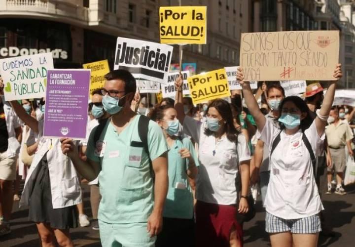 La OMC alerta de la crisis que atraviesa la formación de médicos especialistas en España